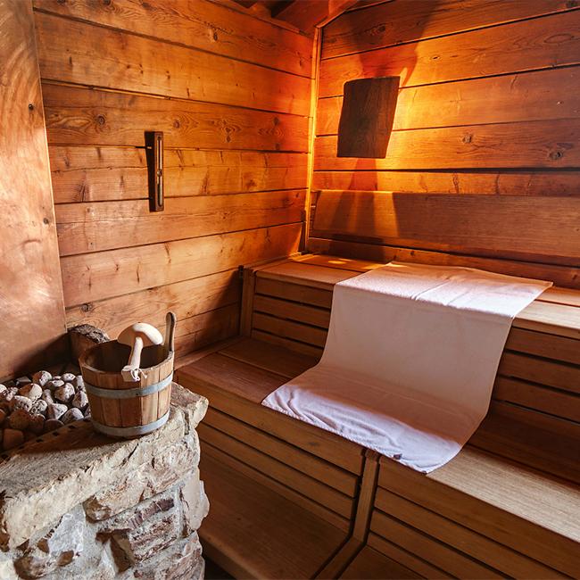 unterschiedliche saunen im innenbereich im titania neus. Black Bedroom Furniture Sets. Home Design Ideas