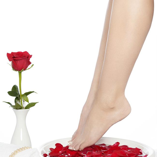 April-Kosmetik-Special: Fußpflege 30 Min. + 1 Fußpflegeschaum gratis für 30,00 €